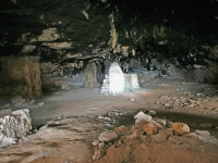 cave-of-the-bear9570