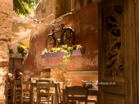 Chania-backstreet-taverna