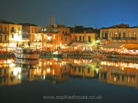 rethymno-harbour-at-night