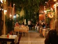 rethymno-street-tavernas